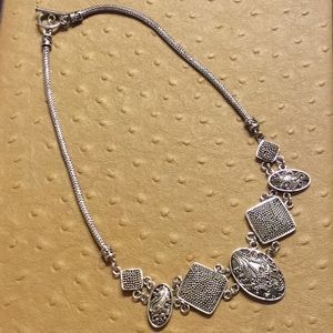 😍Silver Medallions Necklace😍 NWOT